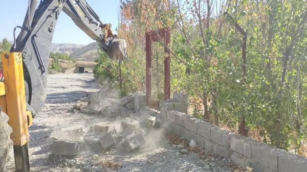 مدیر عامل شرکت آب منطقه ای ایلام خبر داد: رفع تصرف بیش از300 متر مربع از اراضی بستر رودخانه